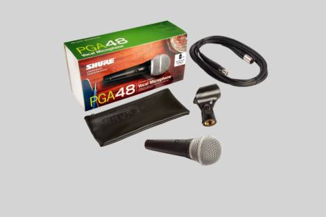 Illustration Shure PGA48 with XLR to XLR cable